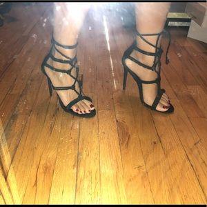 Sexy black tie up heels!